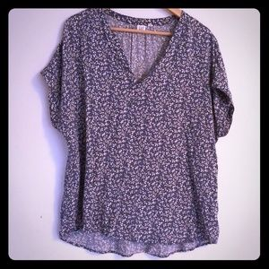 Short Sleeve Print V neck blouse